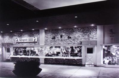 Reyn's Store front