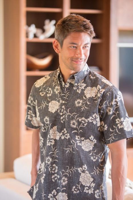 Reyn Spooner Kupulau Pareau Aloha Shirt in Charcoal